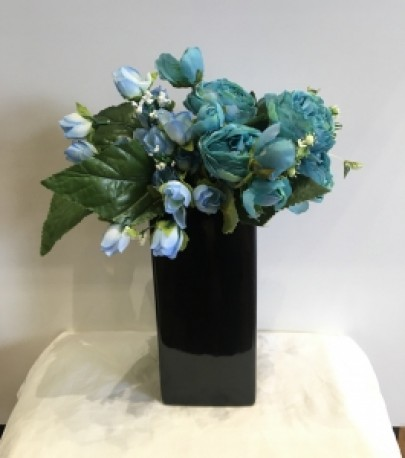Blk Ceramic Medium Vase
