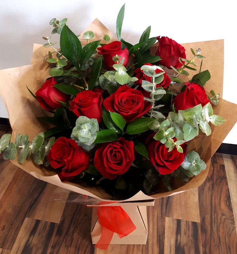 10 Red Roses